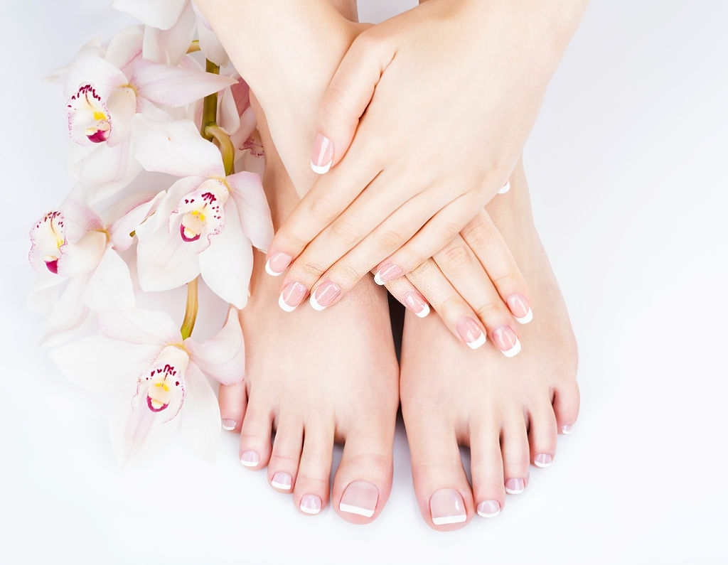 Advantages of manicure and pedicure